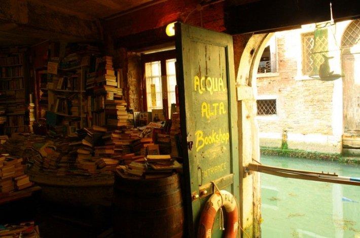 Libreria Alta Acqua 2